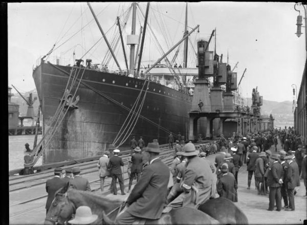 Athenic at Queens Wharf, Wellington 1913